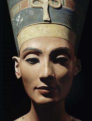 "Nefertiti, ""la bella ha llegado"""