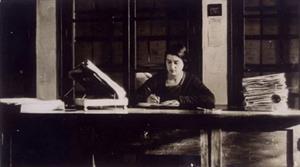 María Moliner, la mujer que escribió sola y a lápiz, un diccionario dos veces más largo que el de la RAE - Cultura Inquieta