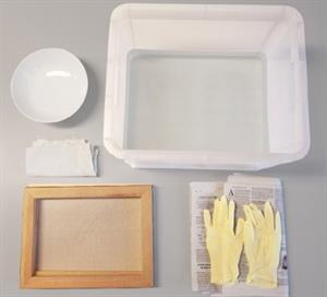 Convirtiendo lo usado en nuevo: hacer papel reciclado. Experimento de Medio ambiente para niños de 8 a 12 años