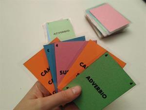 Cómo aprender gramática jugando al UNO