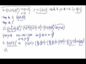 Proyección y distancia de un vector a un subespacio