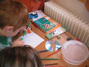 Composer des couleurs à partir de matière ou de lumière