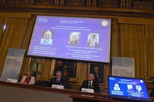 """Premio Nobel de Física 2018 a """"las herramientas hechas de luz"""". El País"""
