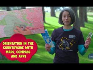 Orientation in the field with map, compass and apps