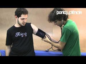 Bate forte coração: medida de presión arterial (Pontociência)