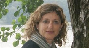 """Ana María Lara (English Corner): """"Las redes sociales incrementan la implicación del alumno en el proceso de aprendizaje"""" - Revista Didactalia"""