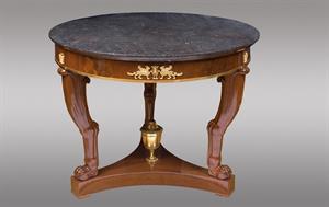 Historia y evolución de las mesas