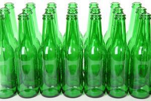 Ten Green Bottles. Poisson Rouge