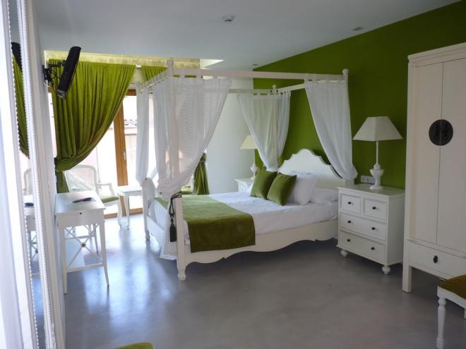 Hotel Los Calaos de Briones