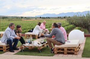 Wine Bar  Bodegas Corral : Una parada en el camino