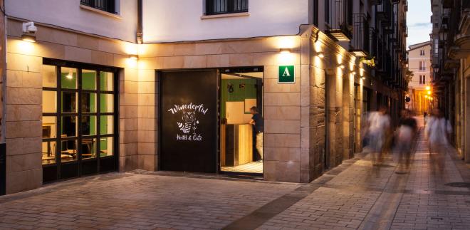 Winederful Hostel y Café