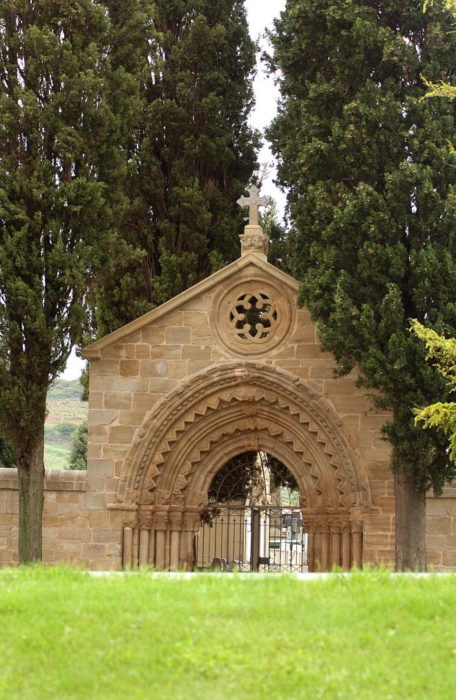 Puerta del cementerio de Navarrete