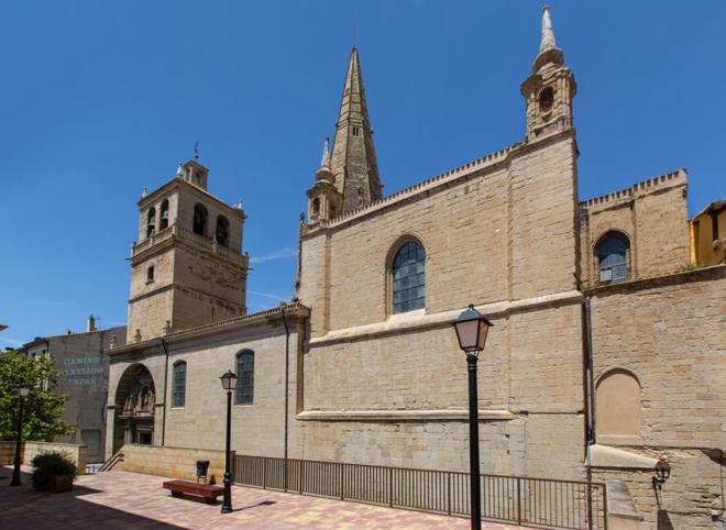 Iglesia Imperial de Santa María de Palacio