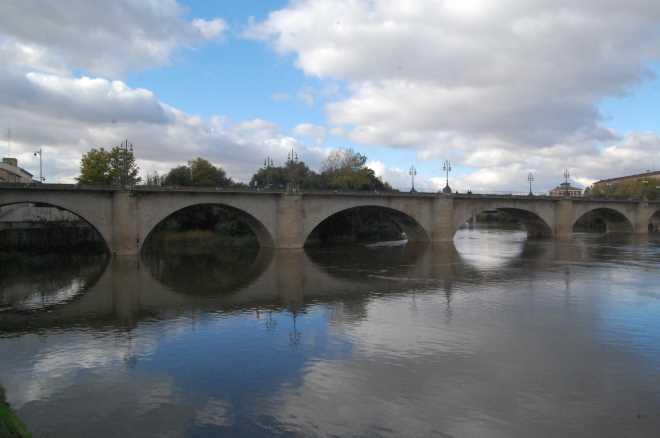Puente de piedra en Logroño
