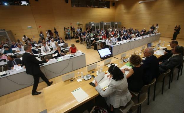 Ceniceros apela a las regiones europeas a «influir» en el próximo presupuesto comunitario