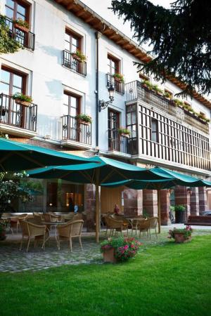 Hotel Echaurren Relais & Châteaux
