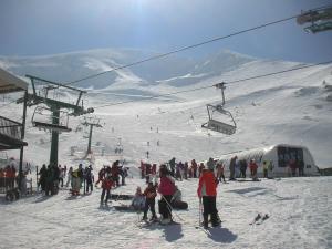El Gobierno de La Rioja instalará un nuevo telesilla para la estación de esquí de Valdezcaray con el que mejorará el servicio que se presta a los usuarios
