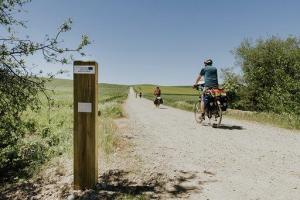 La Rioja Turismo instala un contador para conocer el número de cicloturistas que transitan por la ruta europea cicloturística Eurovelo en La Rioja