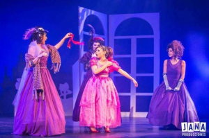 La UNIR lleva a Riojafórum el espectáculo familiar 'Cenicienta y el zapatito de cristal'