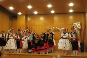 Desfile de Trajes Regionales de Comunidades Autónomas y Exhibición de Danzas Riojanas