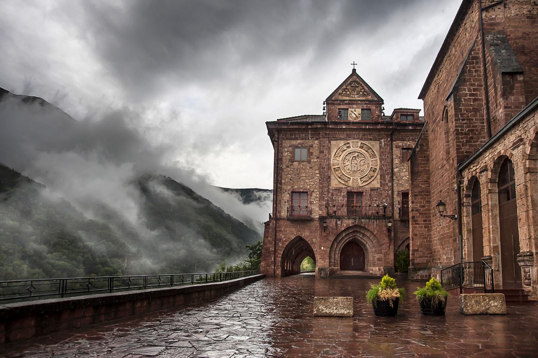 Monasterio de Nuestra Señora de Valvanera - Lugar de interés - La ...