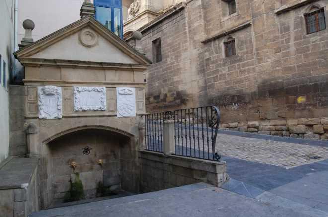 Fuente del peregrino en Logroño