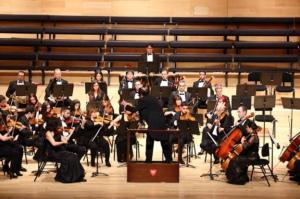Enrique García Asensio dirige a la Sinfónica de La Rioja en la Gala de Zarzuela
