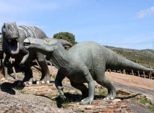 Enciso dinosaur track finds