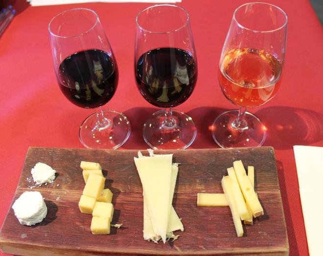 Aktivitäten in der Weinkellerei Martinez Lacuesta