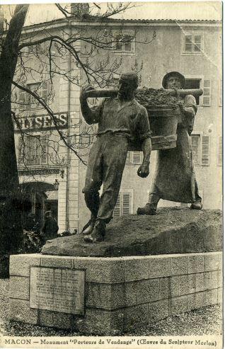 Escultura de los vendimiadores (Macon)