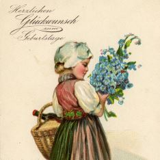 Chica con flores y cesta
