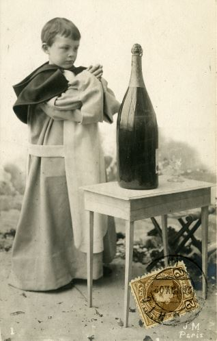 Niño fraile y champagne